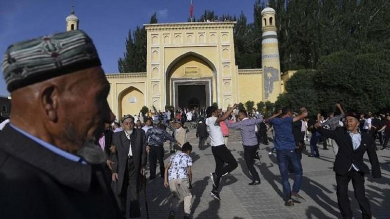 China Klaim Etnis Uighur Dipaksa Memeluk Islam