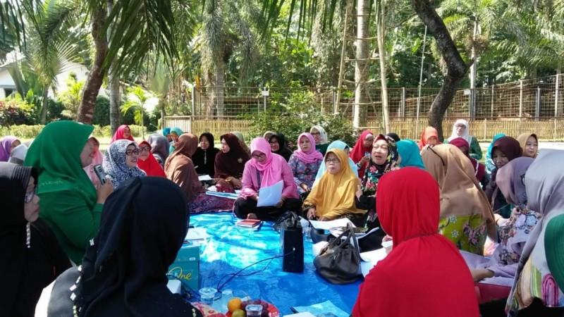 Pengurus Muslimat NU Harus Berbaur dengan Jamaah