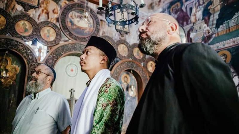 Ketika Santri Cirebon Lantunkan Kasidah untuk Rabbi Yahudi di Gereja