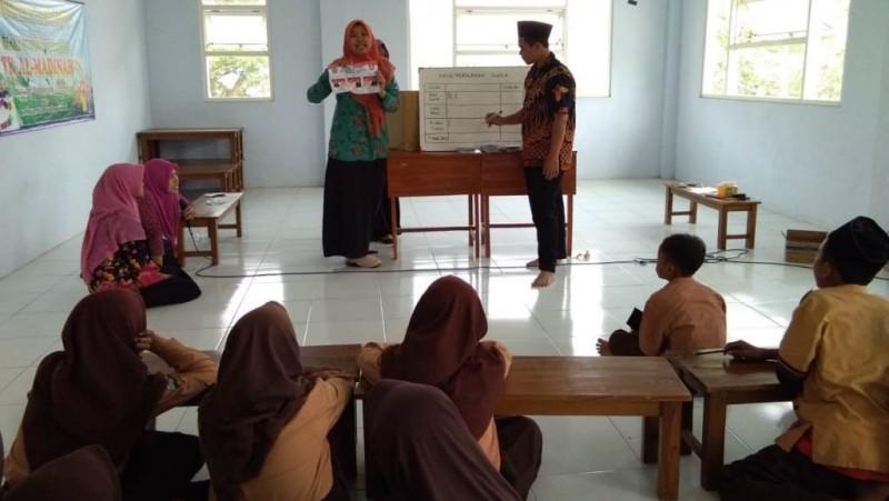 Pemilihan Pengurus OSIS, Latih Siswa SMP Al Madinah Jombang Demokrasi