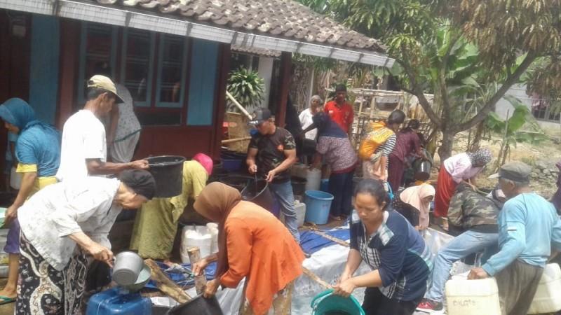 Ansor dan Banser Grabag Magelang Salurkan Bantuan Air Bersih