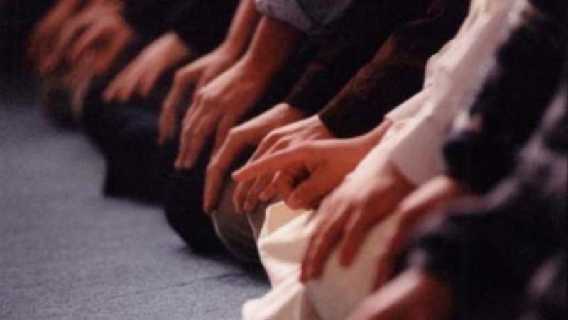 Usai Shalat Jumat Imam Ketahuan Berhadats, Jumatan Wajib Diulang?