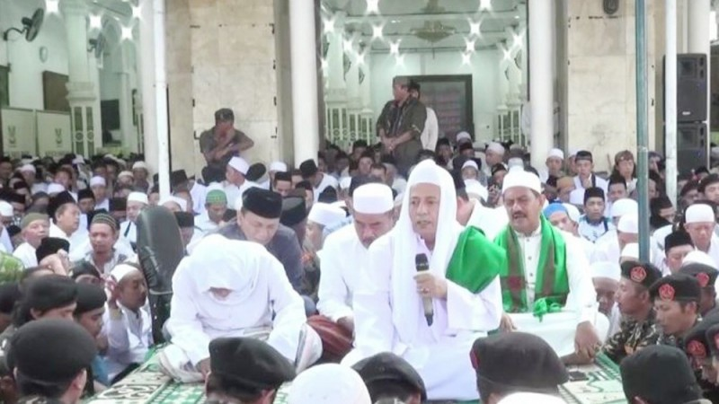 Habib Luthfi Jelaskan Makrifat di Majelis Kliwonan