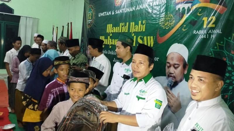 Rijalul Ansor Jatim Maulidan dengan Liwetan dan Santuni Yatim