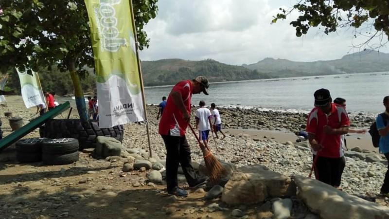 Peduli Lingkungan, Badan Kemaritiman NU Tulungagung Bersihkan Pantai