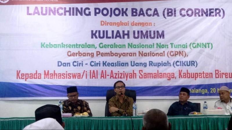 Peluncuran Pojok Baca (BI Corner) di IAIA Samalanga. (Foto: NU Online/Bang Helmi)