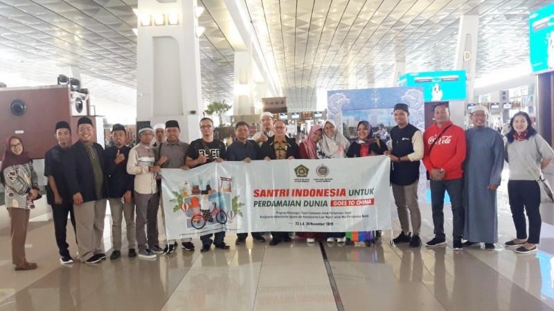 10 Santri Indonesia Ikuti Program Perdamaian Dunia ke Tiongkok