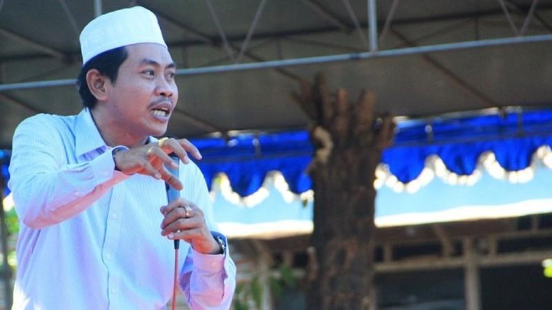 KH Anwar Zahid: Dekat dengan Kiai Cara Becermin kepada Rasulullah