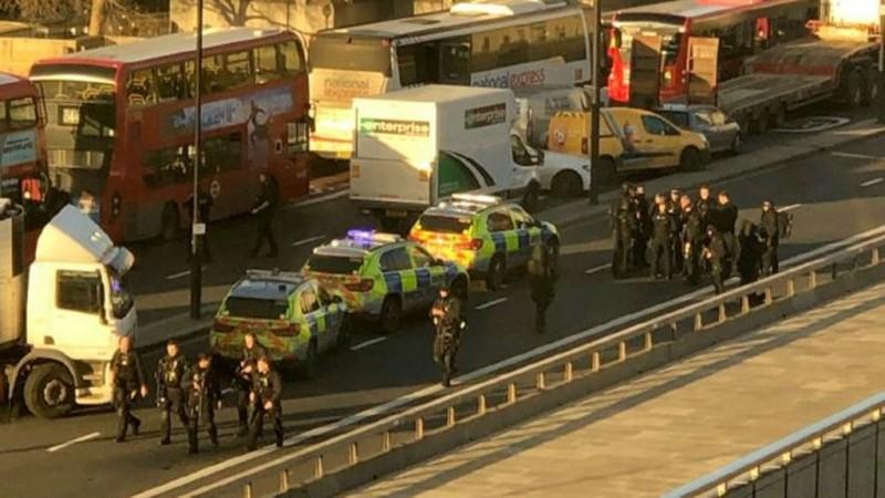 Insiden Penikaman Terjadi di London Bridge, Dua Tewas