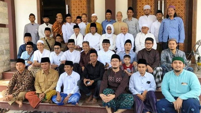 Masyayikh Pesantren Lirboyo Dukung Gus Muwafiq Terus Berdakwah