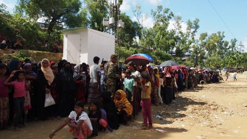 Etnis Rohingya: di Myanmar Diadili, di Bangladesh 'Dikurung'