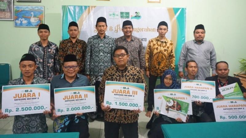 Para Juara Lomba Karya Tulis Ilmiah LP Ma'arif NU Jateng 2019