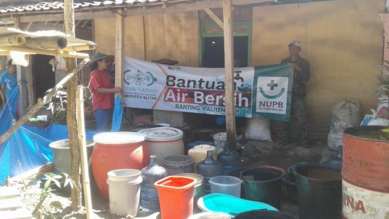 Kekeringan, LAZISNUKalitengah Salurkan 177. 950 Liter Air Bersih untuk Warga