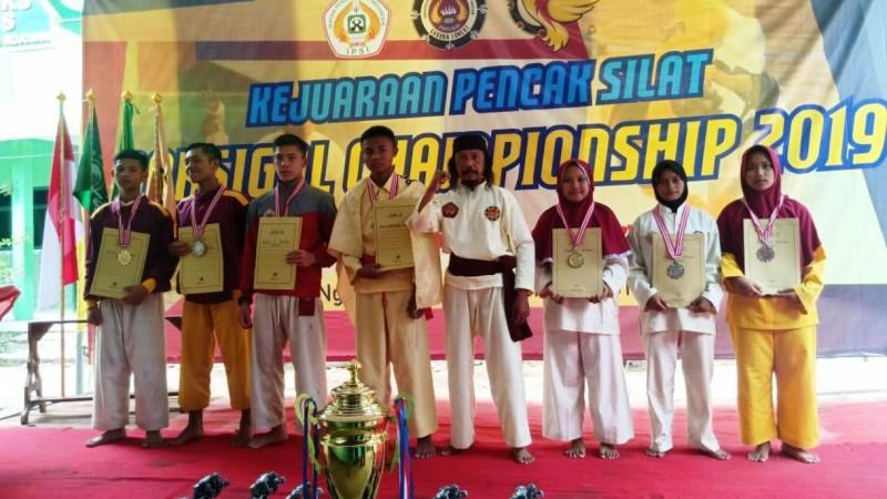 Kontingan Blitar Juara Umum Porsigal Championship 2019