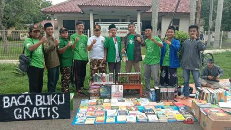 Tingkatkan Minat Literasi Milenial, Ansor di Subang Buka Perpustakaan Keliling