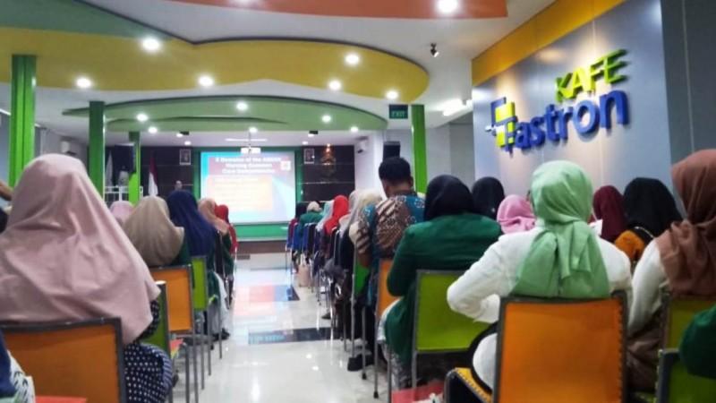 Seminar Legal Ethic and Evidence Based Nursing Practice in Brain Tumor. Kegiatan dipusatkan di Kafe Fastron Lantai 3 Tower Universitas Nahdlatul Ulama Surabaya (Unusa) Kampus B Jemursari Surabaya,