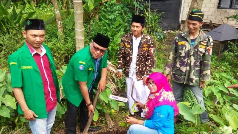 Ansor Kubu Raya Kalbar Gelar Gerakan Menanam Seribu Pohon