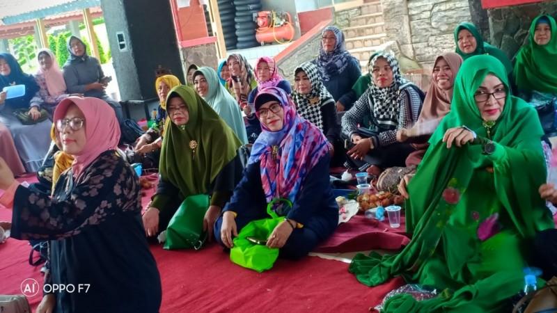 Ketua Muslimat NU Subang Minta Pengurus Gunakan Identitas ke-NU-an