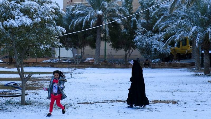 Kejadian Langka, Salju Turun di Baghdad Irak