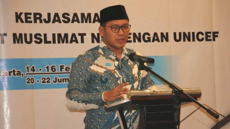 Tubagus Arie Rukmantara saat memberikan sambutan pada acara bahtsul masail pencegahan pernikahan usia anak di Swiss-Bell Hotel di Pancoran, Jakarta Selatan, Sabtu (15/2). (Foto: NU Online/Husni)