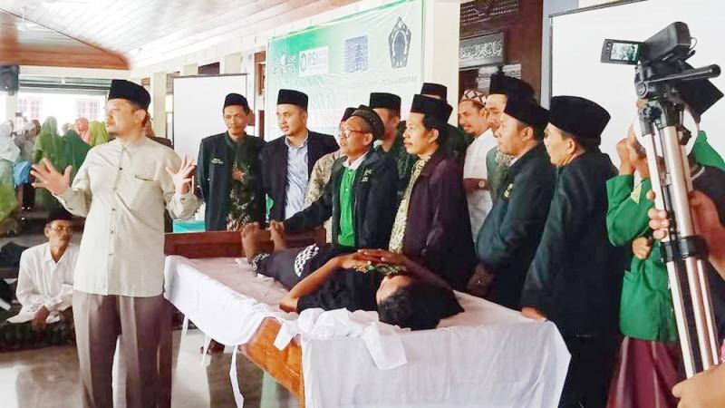 Diklat pemulasaran jenazah MWCNU Demak Kota (Foto: NU Online/Samsul Huda)
