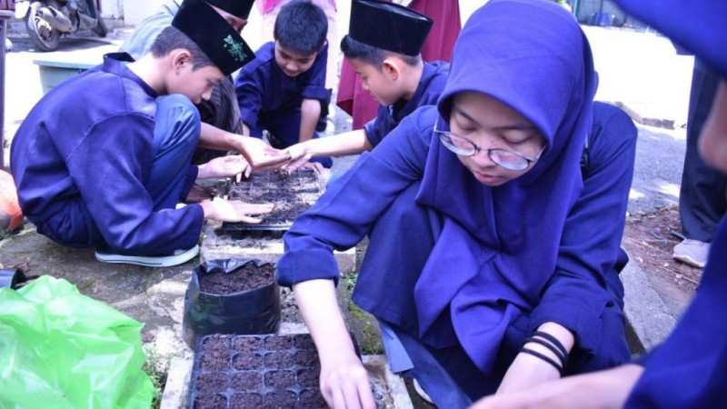LPBINU Gelar Pesantren Hijau di Al-Manar Depok