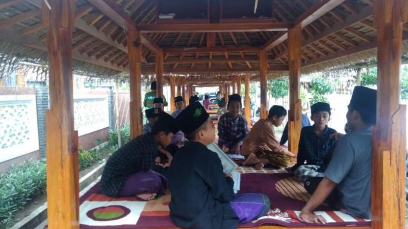 Budidaya Ikan dan Jamur, Upaya Pengembangan Pesantren Zainul Hafidz At-Taufiq Lombok Barat