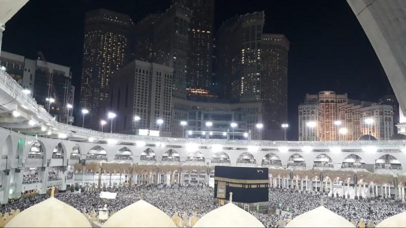 Saudi Larang Shalat di Seluruh Masjid karena Corona, Kecuali di Masjidil Haram-Nabawi