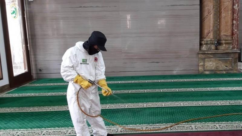 Satgas PWNU DKI Peduli Covid-19 Semprot Disinfektan Masjid dan PAUD di Jakbar dan Jakpus