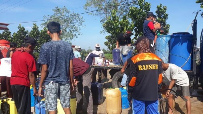 LAZISNU Desa Sukoharjo Semprotkan Disinfektan ke Masjid hingga Kasur Warga