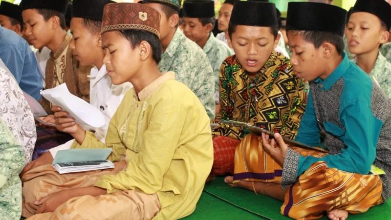 Hizib Nawawi: Penyusun, Keutamaan, dan Cara Mengamalkannya