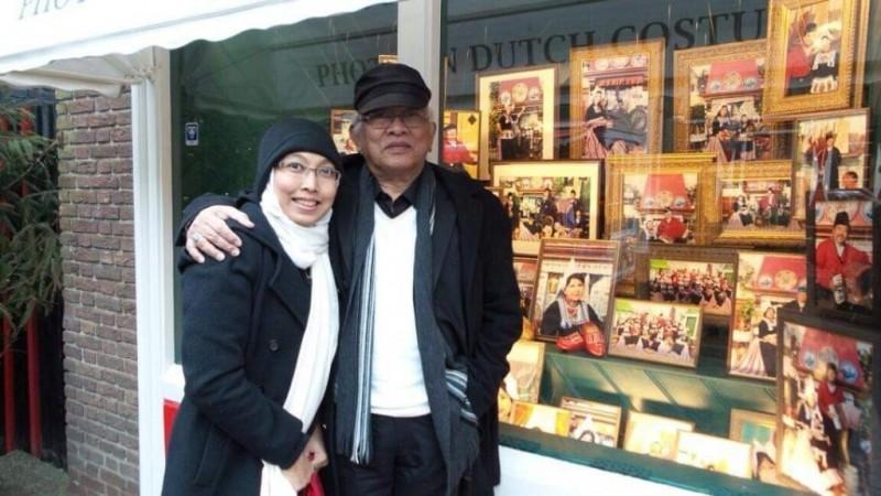 Hasil Lelang, Putri Gus Mus Salurkan 92 Juta Tangani Covid-19