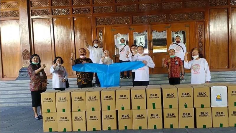 Dukung Tenaga Medis Tangani Covid-19, BLK Surakarta Bagikan APD