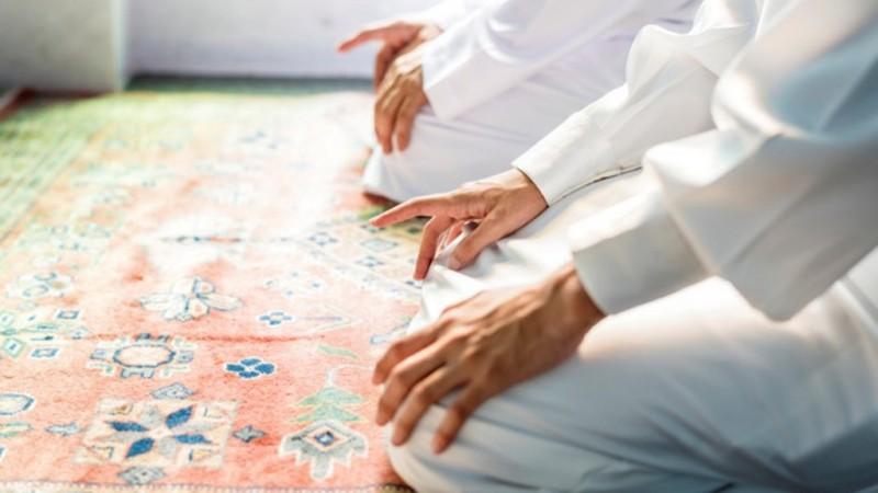Panduan Imam Shalat Tarawih Cepat dan Singkat di Rumah