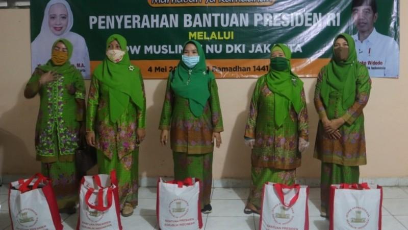 Banyak Warga Kekurangan, Muslimat Jakarta Salurkan Bansos