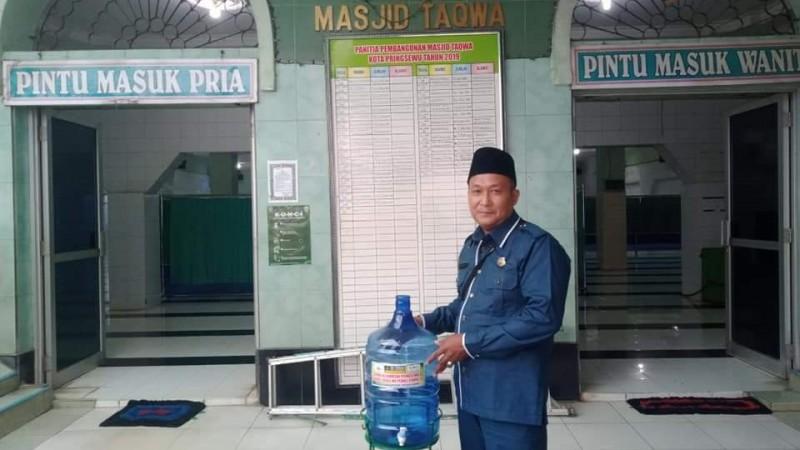 NU Peduli Distribusikan Alat Cuci Tangan untuk Masjid di Pringsewu