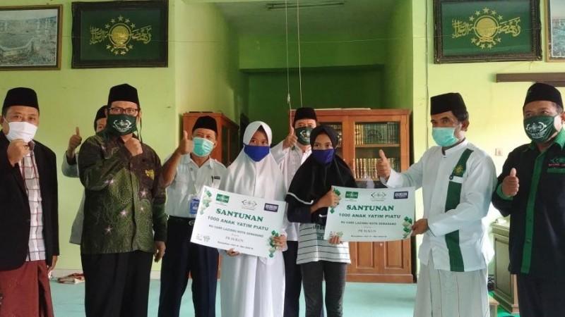 LAZISNU Semarang Salurkan Zakat Sejumlah Perusahaan untuk Anak Yatim