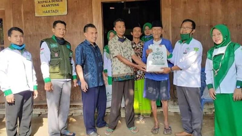 Banjir Bandang, TRC LAZISNU Kendal Gerak Cepat Bantu Warga Terdampak