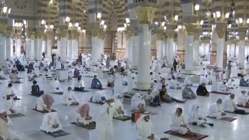 Dengan Aturan Ketat, Masjid Nabawi Dibuka Kembali Hari Ini