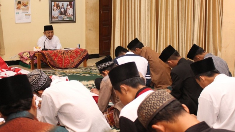 Komitmen Afektif Takwa sebagai Fondasi Pendidikan Islam