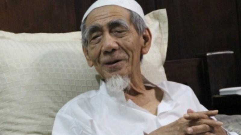 Kisah Mbah Moen saat Ka'bah Dikelilingi Kurang dari 600 Ribu Jamaah Haji