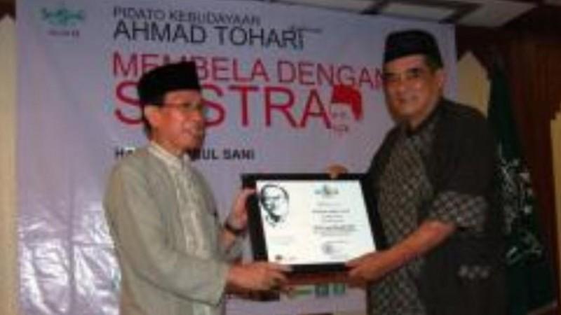 Innalillahi, Usep Romli HM Sastrawan SundaTutup Usia