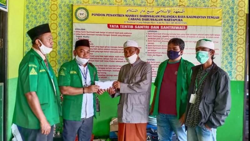 Pesantren Manba'u Darissalam Palangka Raya Terbakar, Ansor Kalteng Berikan Bantuan