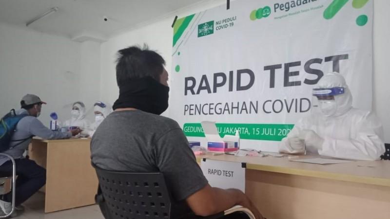 Suasana rapid test di PWNU DKI Jakarta. (Foto: NU Online/Ahdori)