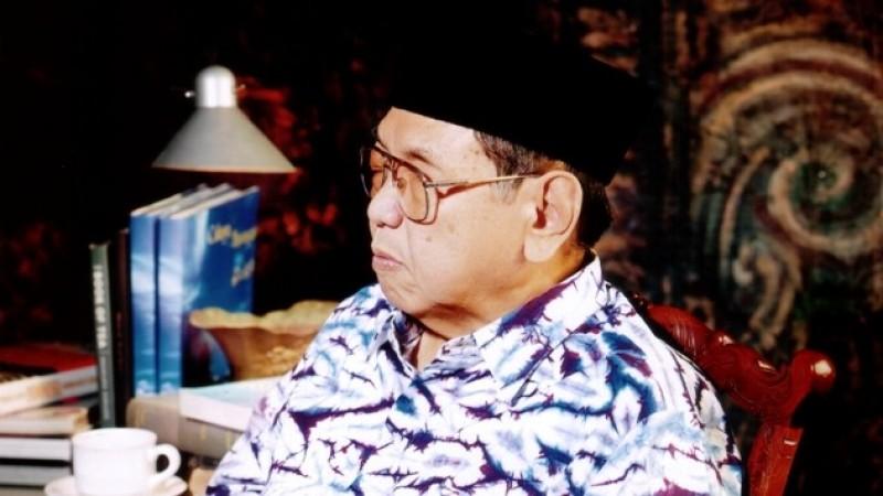 Gus Dur: Antara Guru Bangsa, Presiden, dan Pelengseran Politis