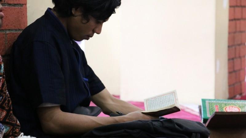 Pentingnya Merenungi Al-Qur'an, Bukan Cuma Membaca