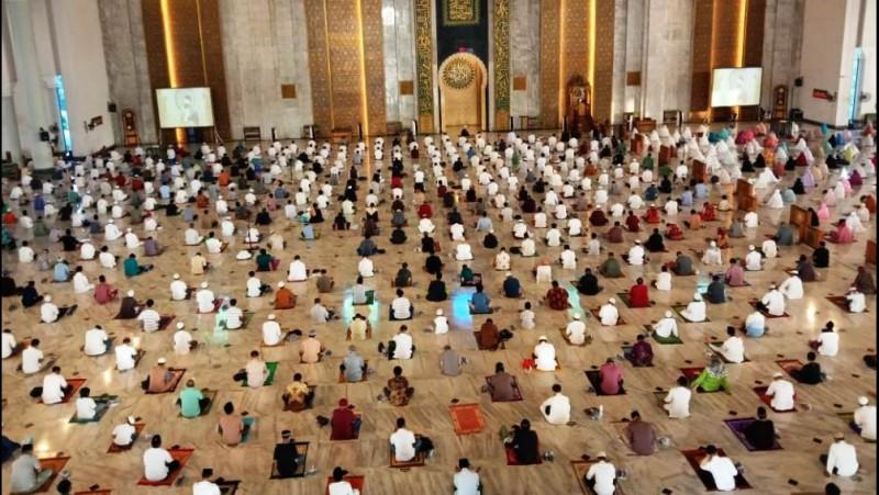 Masjid Al-Akbar Surabaya Sukses Gelar Shalat Id dengan Protokol Kesehatan
