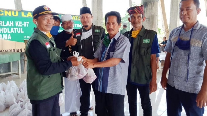 Jalan Kaki dari Sumut, NU Lampung Selatan Sambut Para Petani dengan Daging Kurban