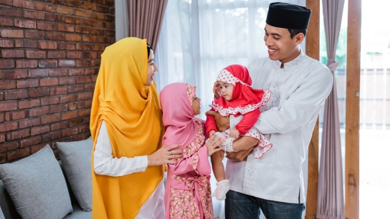 Apakah Boleh Mengutamakan Nafkah Istri daripada Ibu Kandung?
