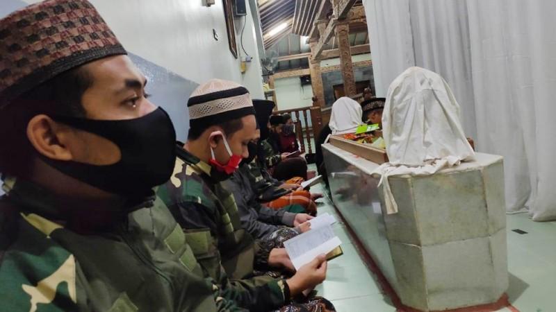 Selama Pandemi Corona, Rutinan Rijalul Ansor Kudus Dipusatkan di Makam Sunan Muria